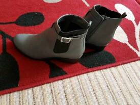 New look ankle boots size 6