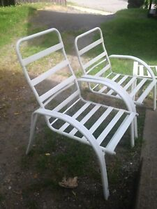 Excellent set of Outdoor Chairs!