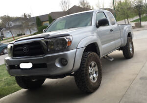 2005 Toyota Tacoma SR5 TRD Off Road Pickup Truck