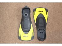 Mares Swimming Flippers Size 8-9