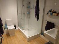 Free, close-coupled toilet; Leeds, Bramley