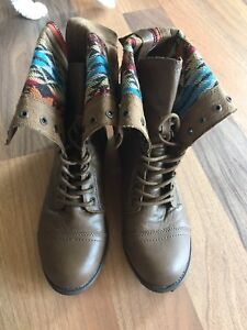 Cute size 9 RAMPAGE boots