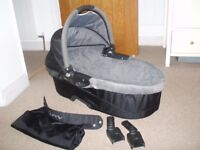 Quinny carrycot with adapters, apron and raincover