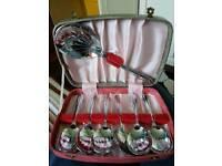 Dessert spoon set