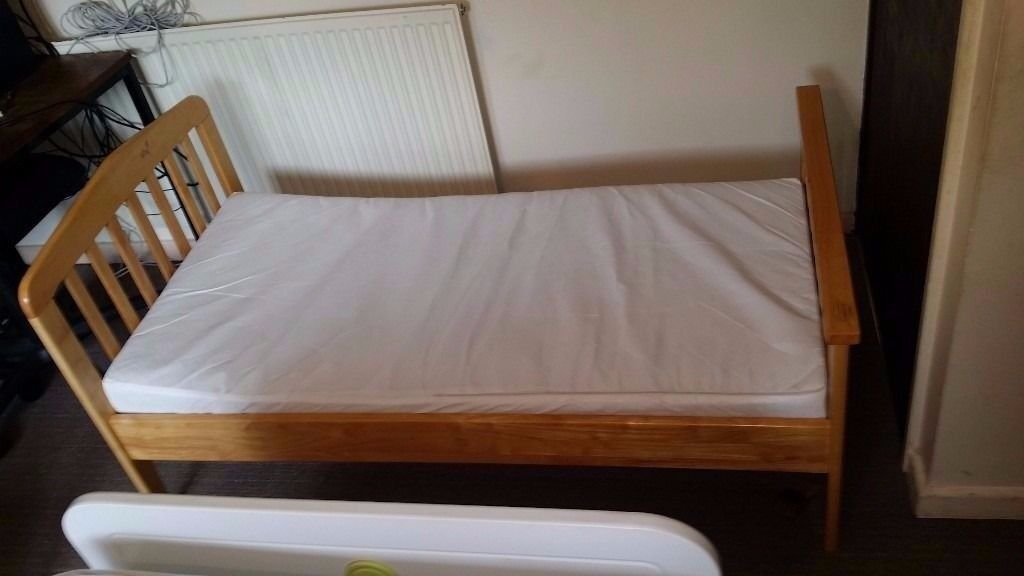 Child bed frame with Mattress ( good condition)