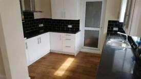 2 bedroom house to rent in Berwick Hills