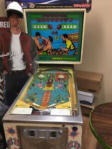 Knockout pinball machine tres bonne condition