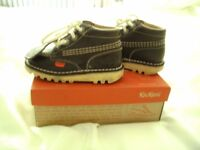 KICKERS BOOTS SIZE 24