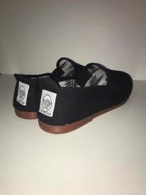 Black Flossy's (Size 8)