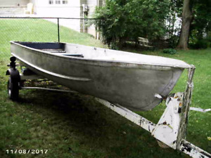 13.5ft Aluminum Boat and Trailer