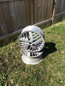 $25 Two alloy rims. 14x6x47.0