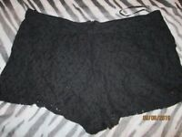 BLACK LACE SHORTS SIZE 18 GREAT FOR HOLIDAY OR NIGHT OUT CLUBBING have more shorts for sale