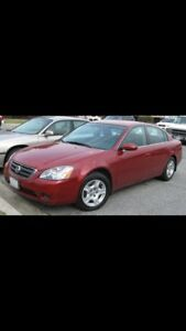 Nissan Altima 2003 . With emission