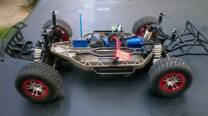 """TRAXXAS 4x4 VXL SLASH RC"""