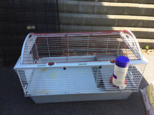 "Living World ""Deluxe"" medium rabbit/guinea pig cage"