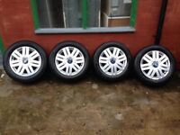 Ford 15inch/ alloys, 195/60/15 tyres , ( fiesta/ focus/ ka, ect!)