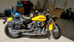 Honda Shadow 750   (2002)