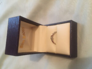 Stirring silver diamond ring