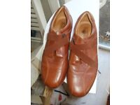 Womens 100% leather trainer shoes Size 6 (39)