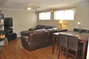 SOUTHSIDE! IN SUITE LAUNDRY! GARAGE! CAT FRIENDLY!