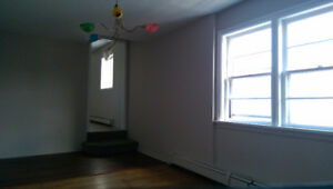 Large 2 Bedroom, North End Halifax, Pet Friendly