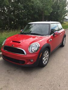 2012 Mini Cooper S w/Union Jack Accessories
