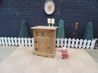 SINGLE CORONA PINE BEDSIDE CABINET VERY SOLID AND IN EXCELLENT CONDITION 53/39/68 cm £25