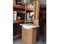 bathroom unit / sink