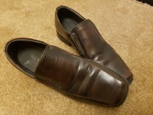 Men's dress shoes, size 9.5 - VERY GOOD CONDITION!