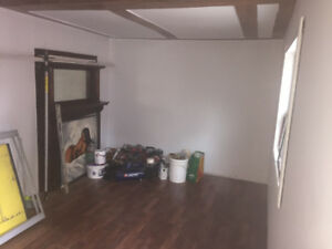 garage studio for rent call before gone avalible AUG 1st