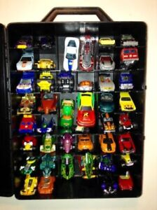 Hot Wheels Carrying Case with 44 Vehicles