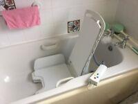 Electric bath lift
