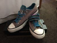 Ladies Coverse - Ox Multi Tongue Size 6