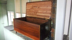 mid century solid wood cedar chest in exc cond, fully lined