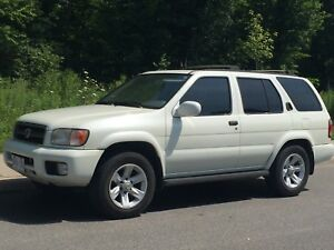 2003 Nissan Pathfinder 4wd 1000$ as is