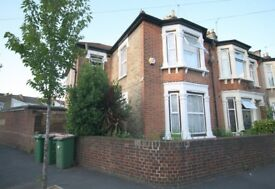 ** LARGE 5 BEDROOM END OF TERRACE HOUSE, AVAILABLE IN MANOR PARK E12! AVAILABLE NOW! **