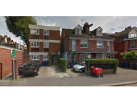 Furnished studio flat on the first floor available in Childs Hill, Housing Benefit and DSS accepted.