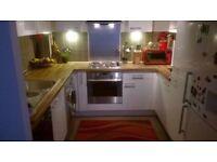 Spacious and beautiful bedroom near Langdon park Zone 2 £140