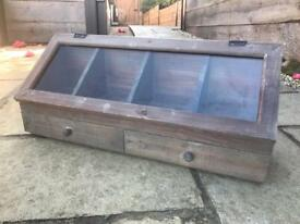 Storage box/Display cabinet
