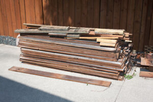USED FENCE BOARDS
