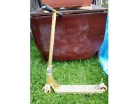 District scooter, gold, good condition, top quality scooter