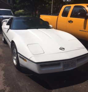 Very Clean 1990 Corvette !! White with Black Leather Interior !!