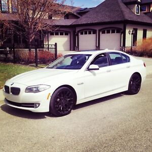 2013 BMW 528i xdrive with 64k and 2 sets of rims