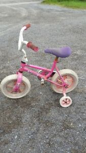 2 LITTLE GIRLS BIKES