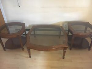Living room table and corner stands