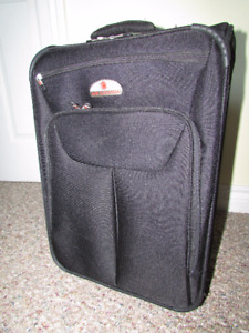Carry-on ultralight weight wheeled luggage