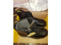 New with Tags Mr Martens black boots. size 10