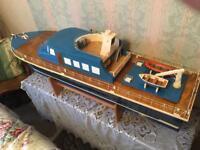 Model Boat Cruiser