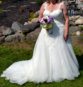 Wedding dress Bridal size 20  Street size 16