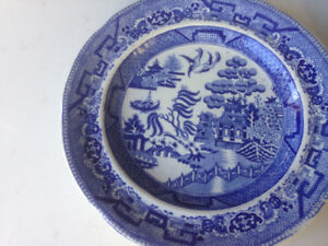 2 Willow Pattern Plates